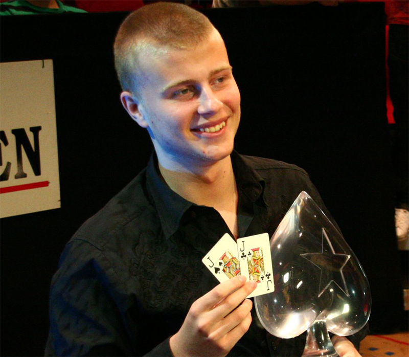 Erster Online Pokerspieler im All